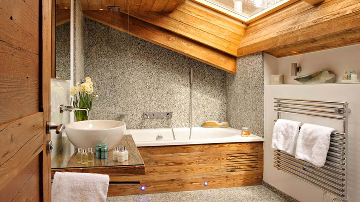 7470361bathroom-3.jpg