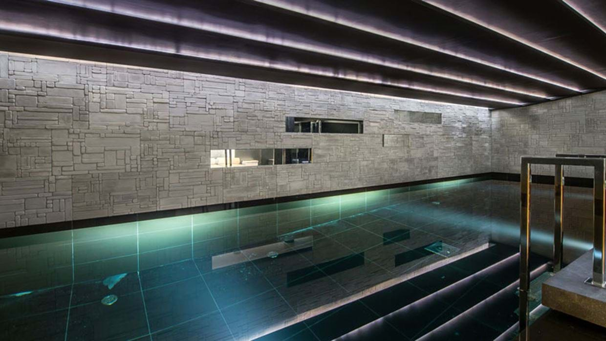 4443170swimming-pool.jpg