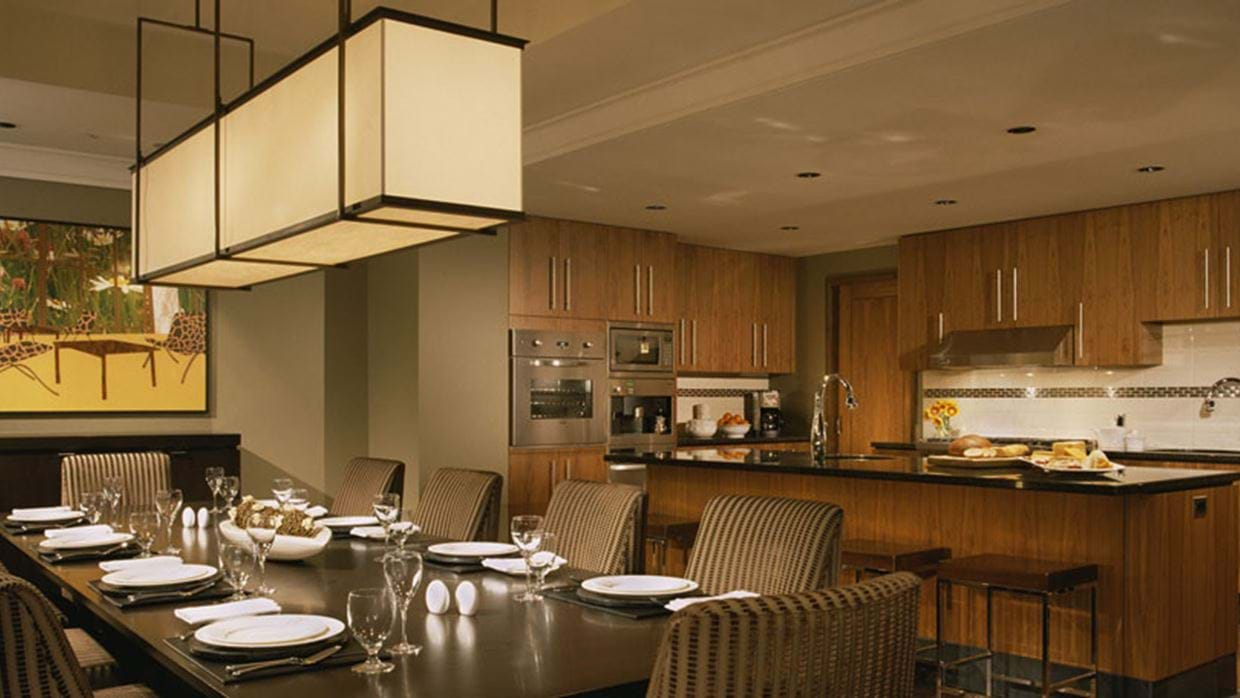 1351588dining-kitchen.jpg