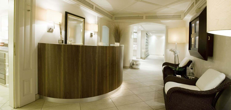 Hotel der berghof 4 star luxury ski hotels lech oxford ski for 4 dollz only salon