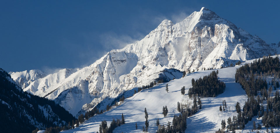 Luxury Ski Holidays USA img