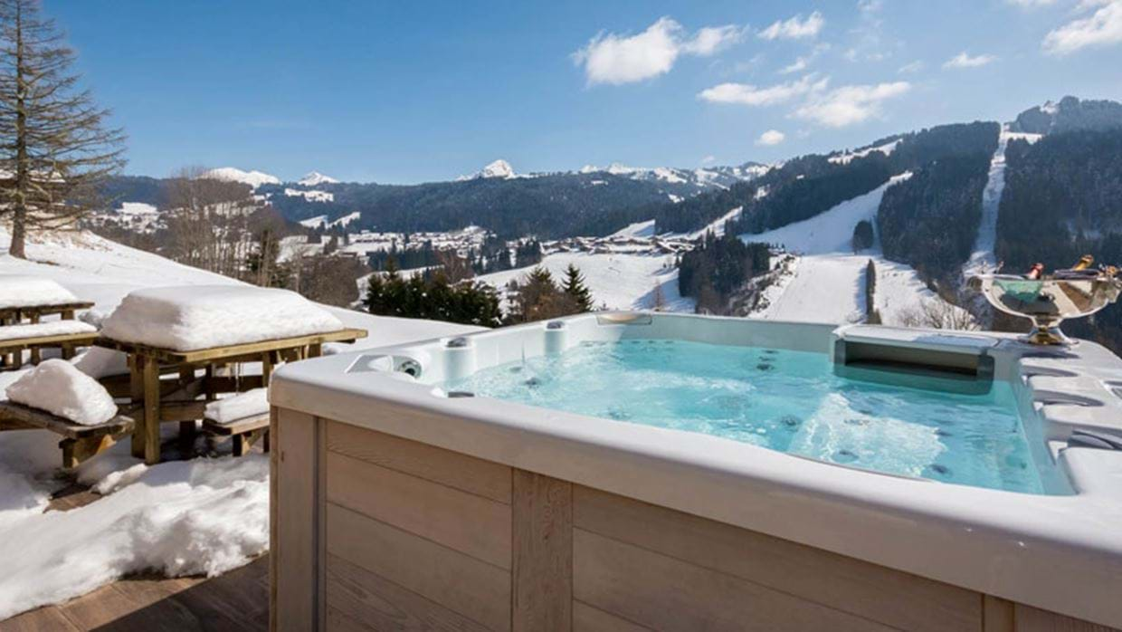 jacuzzi-with-mountain-view.jpg