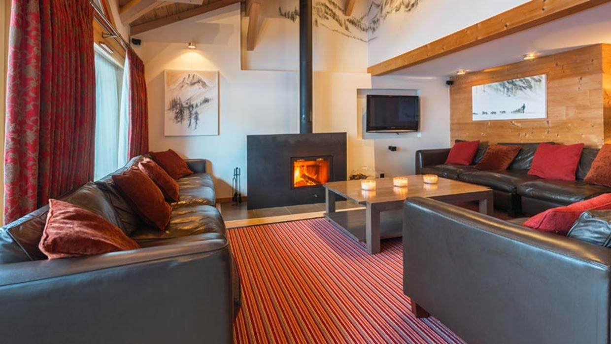 Club Alaska Morzine Luxury Ski Main Living img.jpg