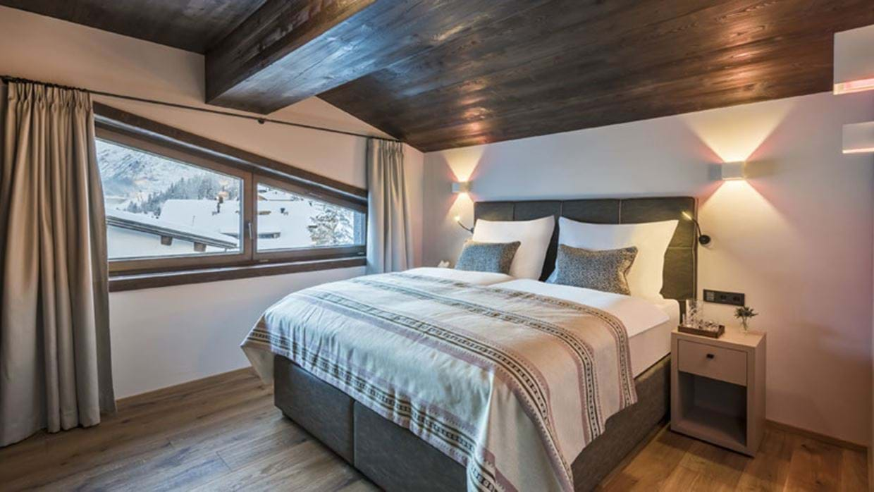 Nidus Penthouse Lech Luxury Ski Bedroom 6 img.jpg