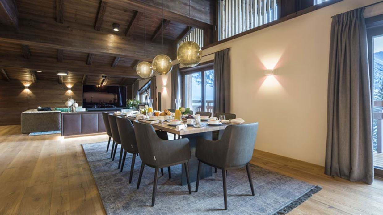 Nidus Penthouse Lech Luxury Ski Dining Day img.jpg