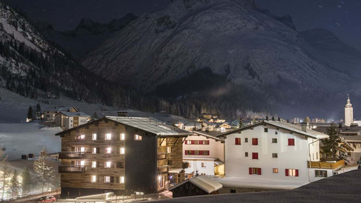 Nidus Penthouse Lech Luxury Ski Exterior night img.jpg