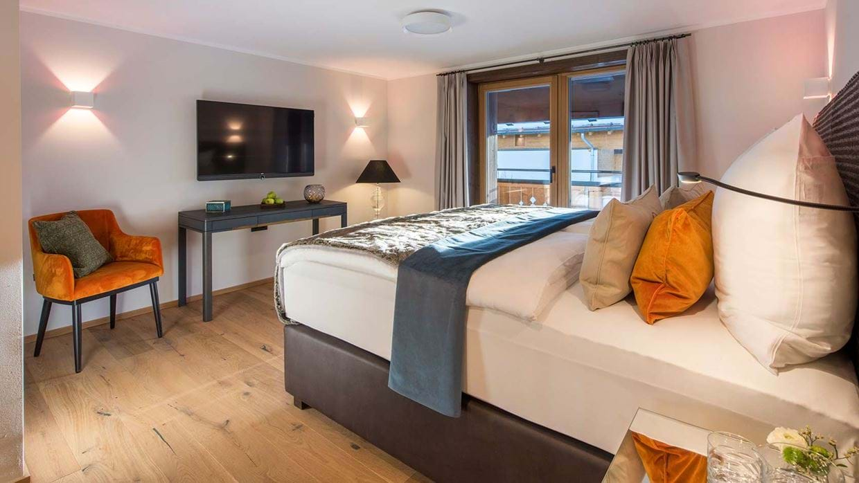 balegia_penthouse_chalet_lech_austria_bedroom_2_luxury_ski_holiday.jpg