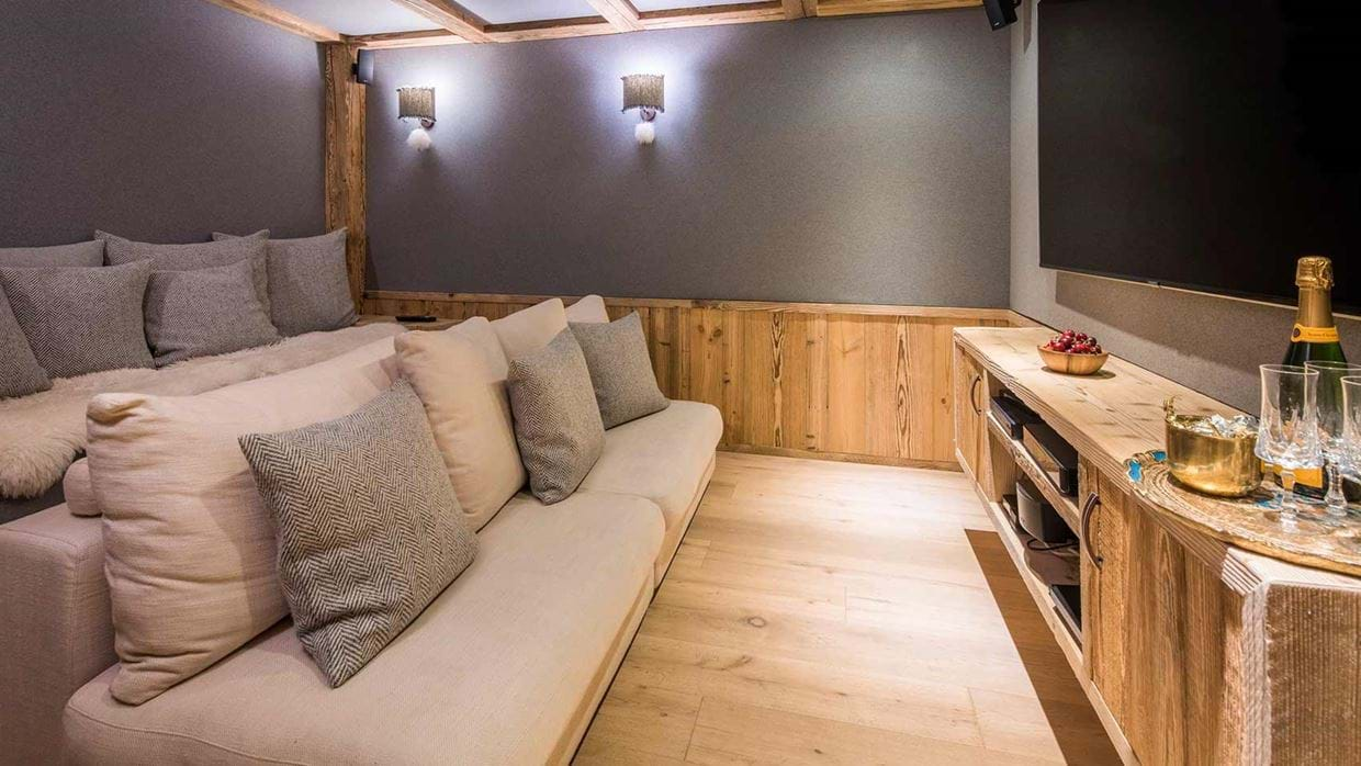 chalet_barmettes_valdisere_france_cinema_luxury_ski.jpg