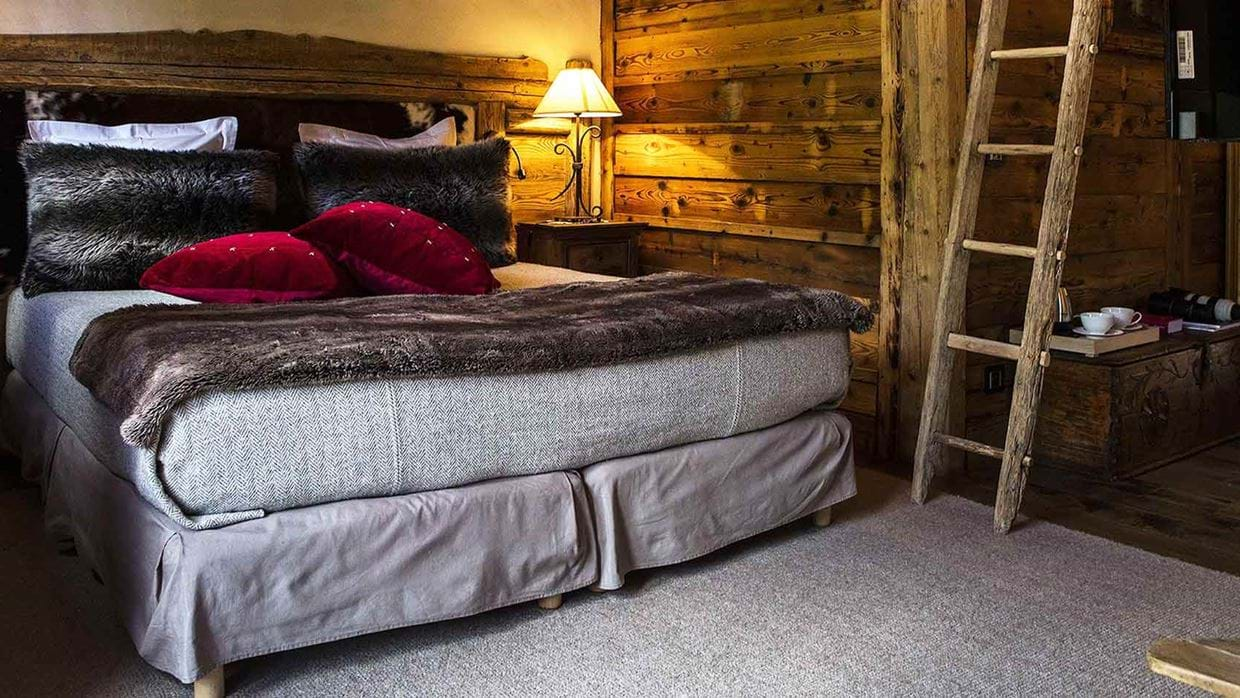 hotel_la_bouitte_st_martin_de_belleville_france_bedroom_2_luxury_ski.jpg