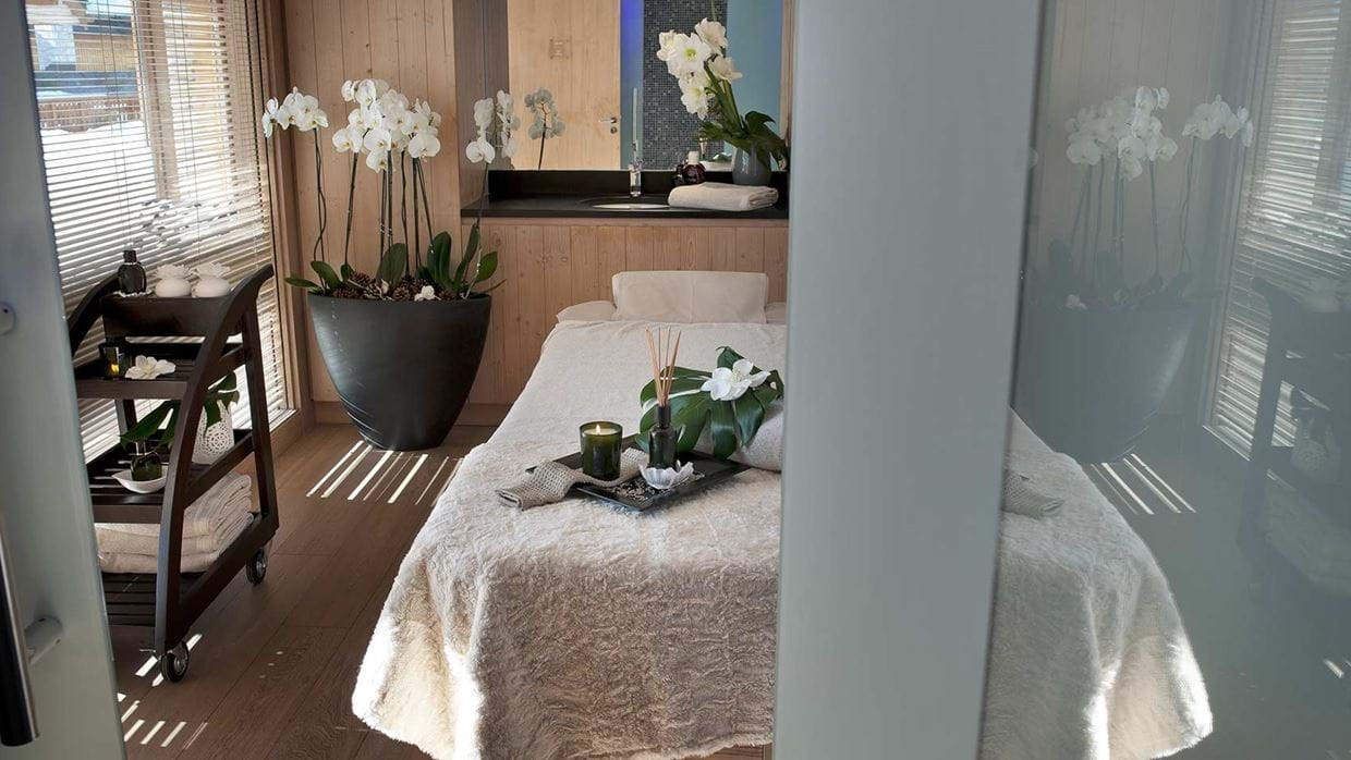 hotel_allodis_meribel_france_luxury_ski_spa_massage.jpg