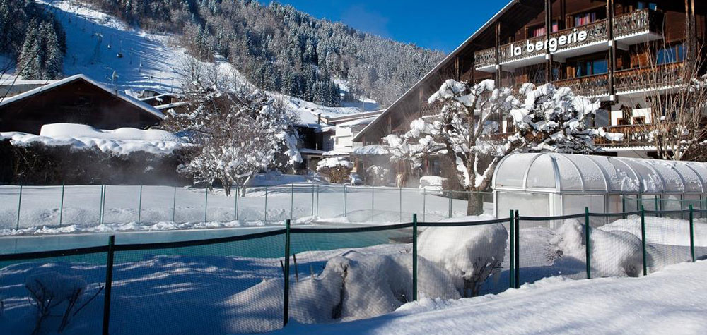 hotel_la_bergerie_morzine_france_pool_luxury_ski