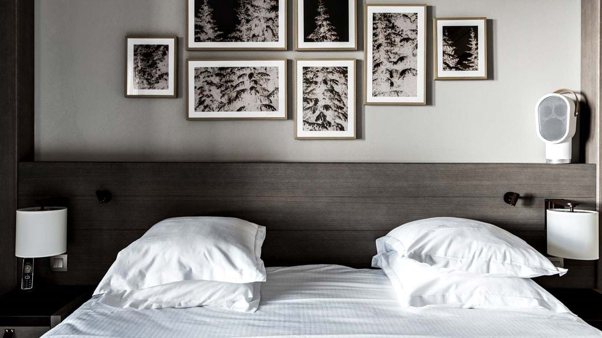 hotel_fitz_roy_val_thorens_france_luxury_ski_bedroom.jpg