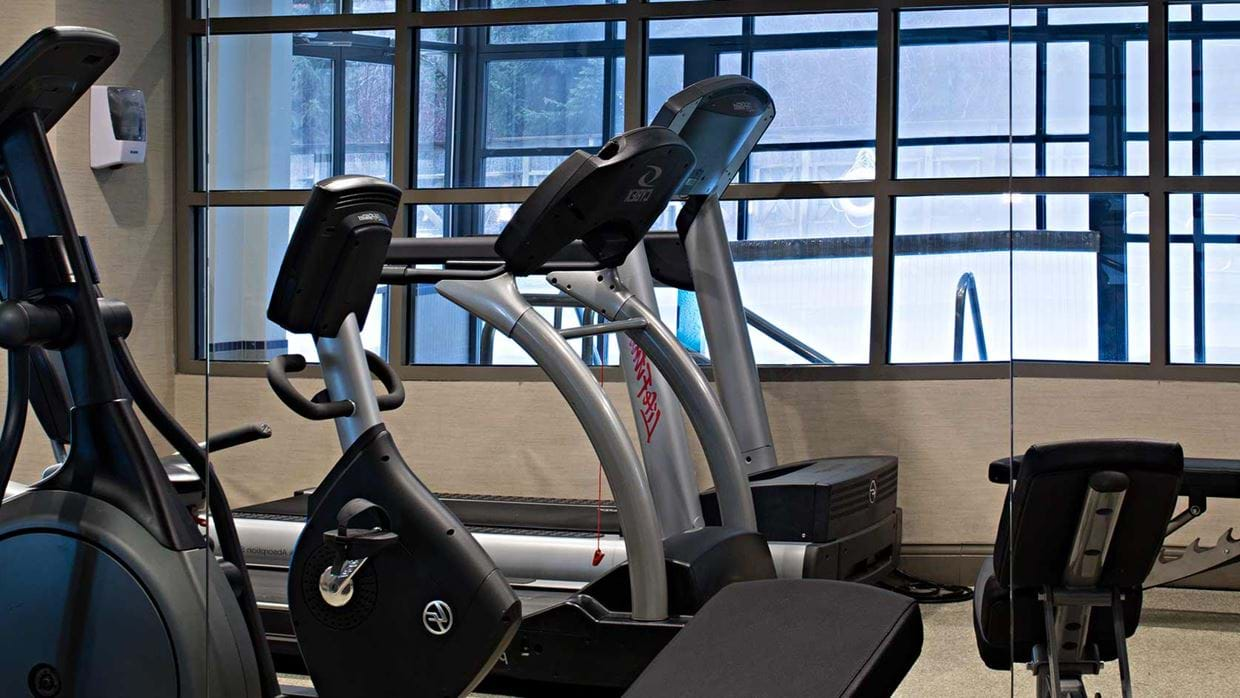 delta_suites_hotel_whistler_canada_luxury_ski_holiday_fitness_room.jpg