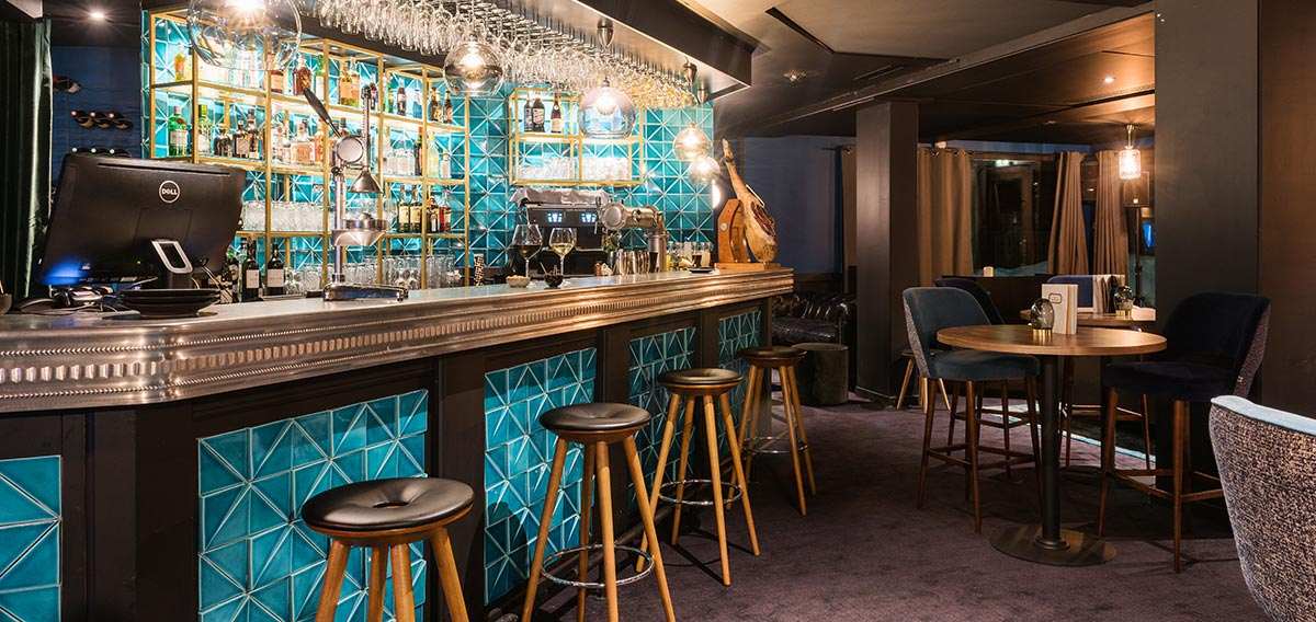 hotel_fahrenheit_seven_france_courchevel_moriond_1650_bar_luxury_ski
