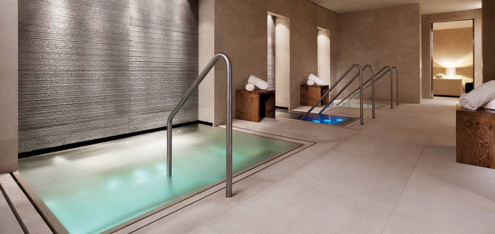 hotel_aurelio_lech_austria_luxury_spa_pool_img