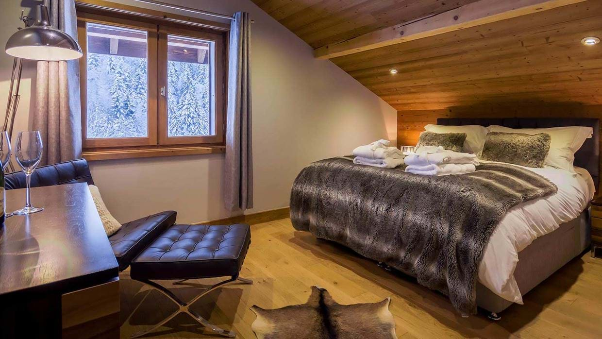 chalet_twenty26_morzine_france_luxury_ski_bedroom_img.jpg