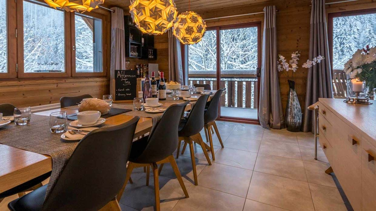 chalet_twenty26_morzine_france_luxury_ski_img_dining.jpg