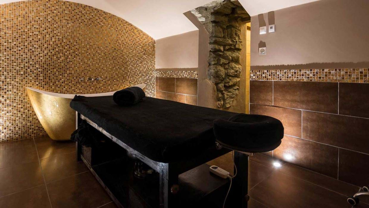 chalet_twenty26_morzine_france_luxury_ski_img_spa.jpg