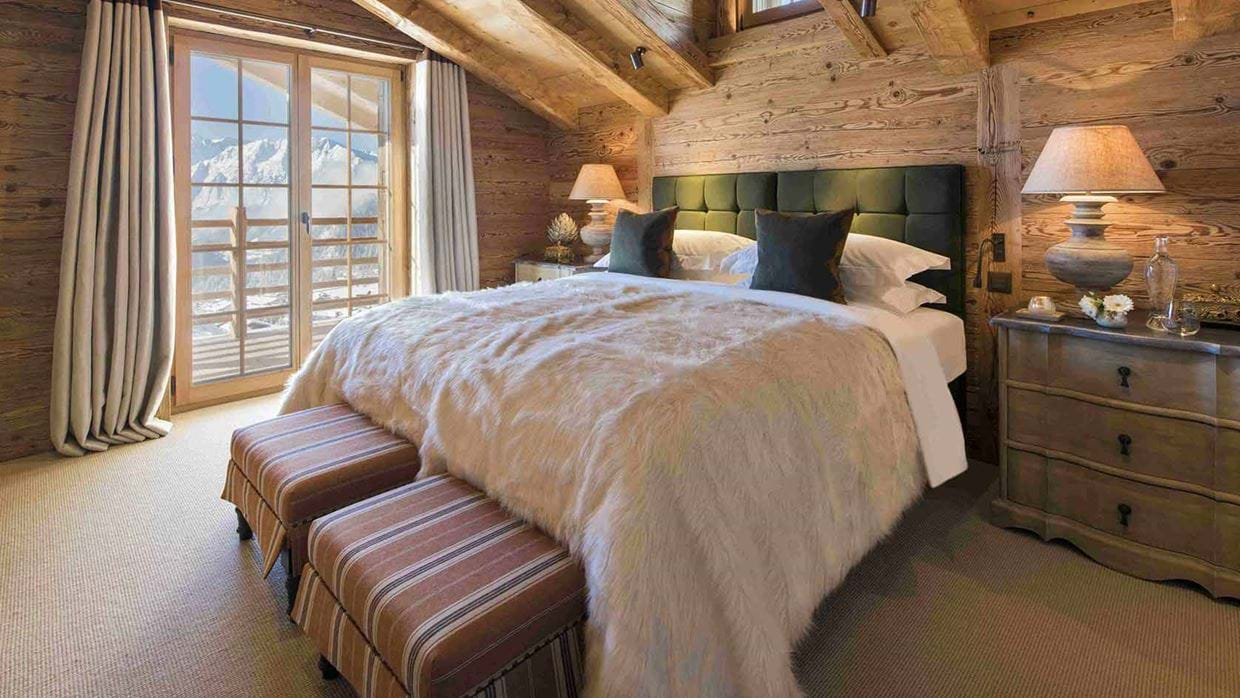chalet_chouqui_luxury_bedroom_verbier_switzerland_img.jpg
