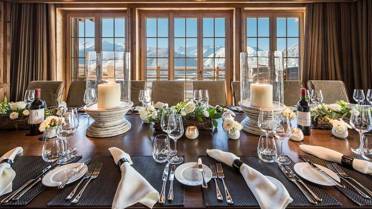 chalet_chouqui_luxury_dining_room_verbier_switzerland_img.jpg