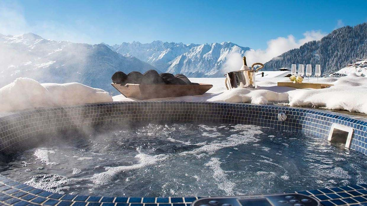 chalet_chouqui_luxury_hot_tub_verbier_switzerland_img.jpg