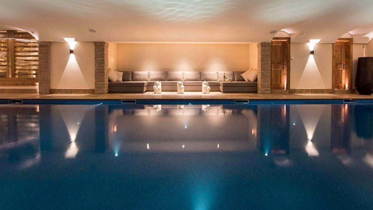 chalet_chouqui_luxury_pool_verbier_switzerland_img.jpg