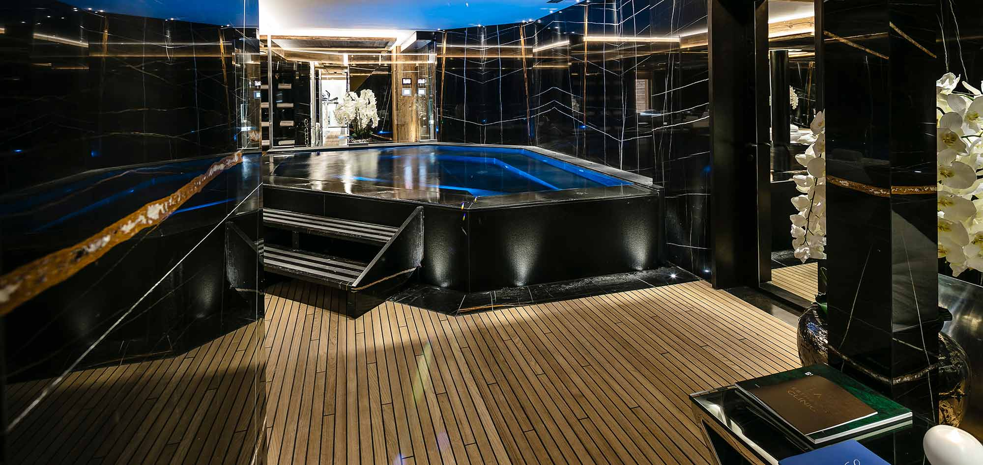 hotel_ultima_gstaad_luxury_ski_holiday_hot_tub_img