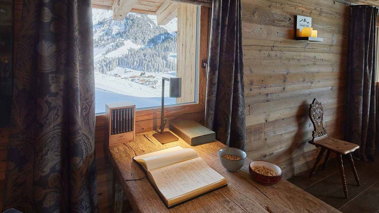 chalet_1551_lech_table_view.jpg