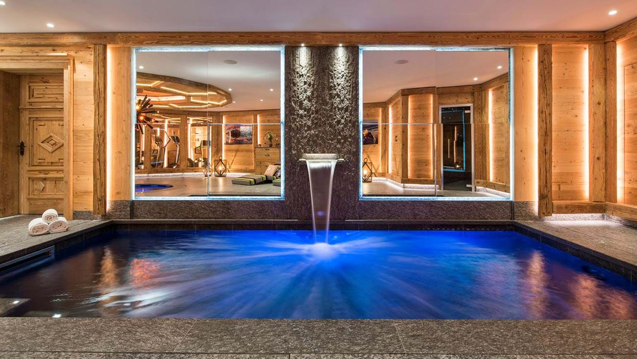 chesa_el_toula_st_moritz_oxford_ski_luxury_ski_chalet_luxury_ski_swimming_pool_main.jpg