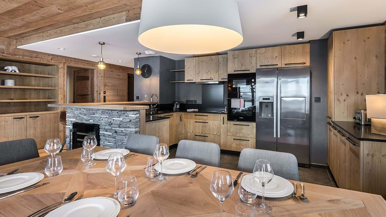 apartment_lorenzo_val_disere_luxury_ski_chalet_oxford_ski_dinig_room.jpg