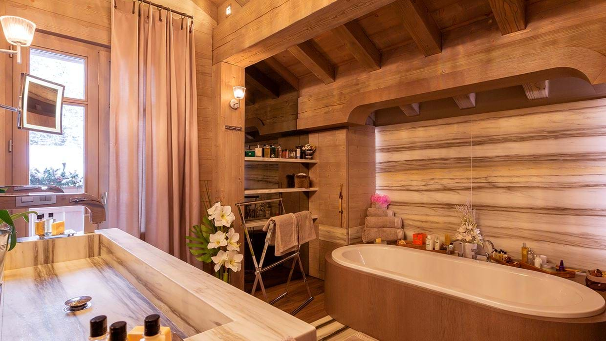 chalet_lys_martagon_courchevel_1850_france_luxury_ski_bathroom_1.jpg