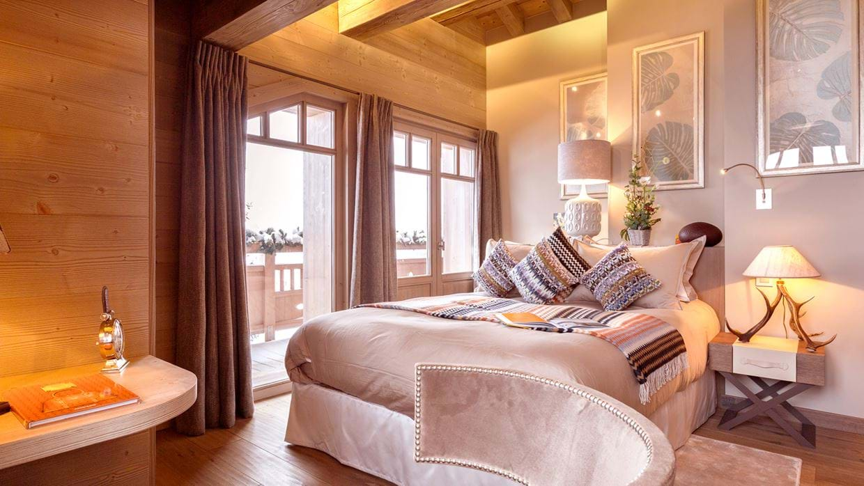 chalet_lys_martagon_courchevel_1850_france_luxury_ski_bedroom_2.jpg