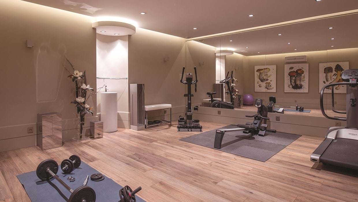chalet_lys_martagon_courchevel_1850_france_luxury_ski_gym.jpg
