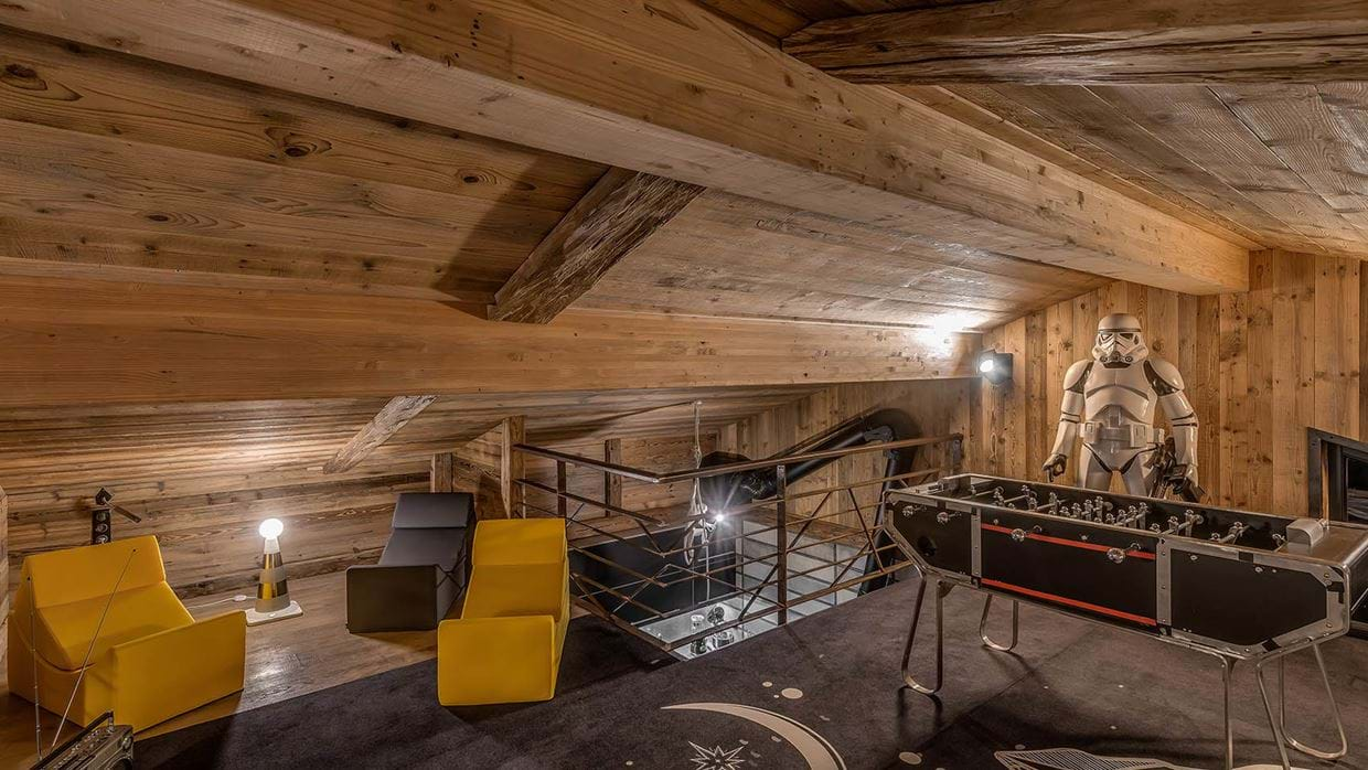 luxury_ski_chalet_banksy_black_diamond_tignes_oxford_ski_games_room.jpg