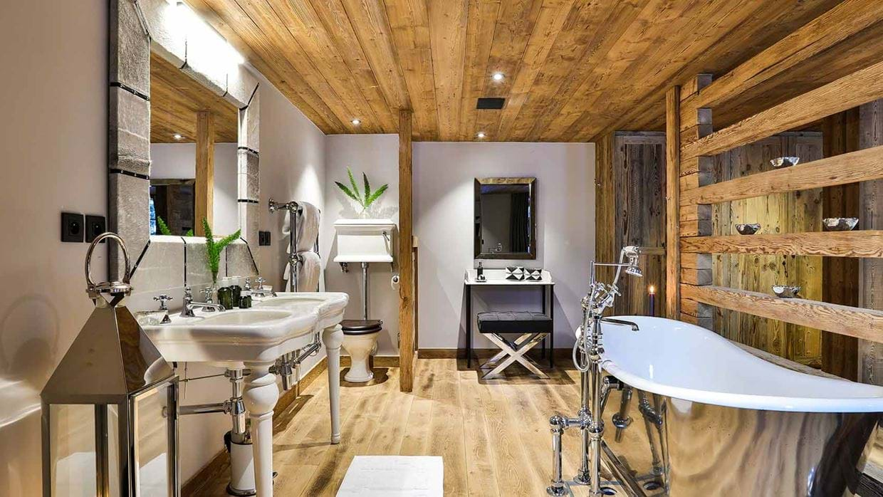 chalet_le_moulin_luxury_ski_chalet_oxford_ski_bathroom_1.jpg