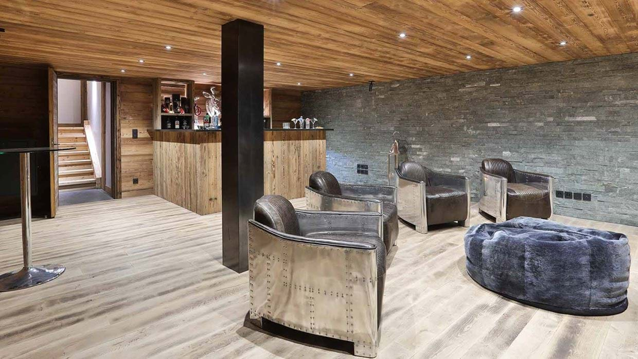 chalet_le_moulin_luxury_ski_chalet_oxford_ski_bar.jpg