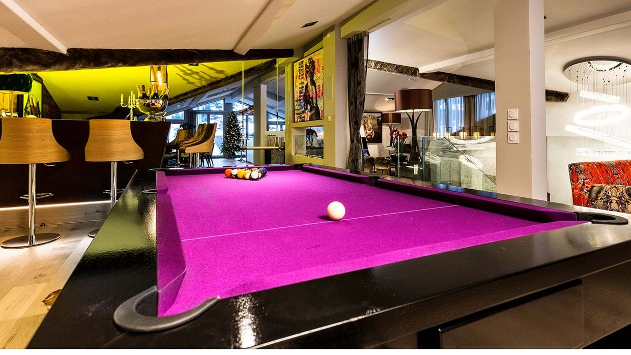urban_corniche_luxury_ski_chalet_les_gets_self_catered_luxury_ski_pool_table.jpg