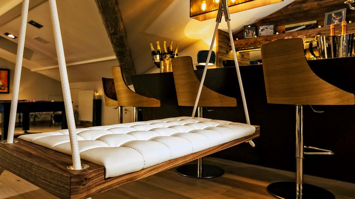 urban_corniche_luxury_ski_chalet_les_gets_self_catered_luxury_ski_swing.jpg