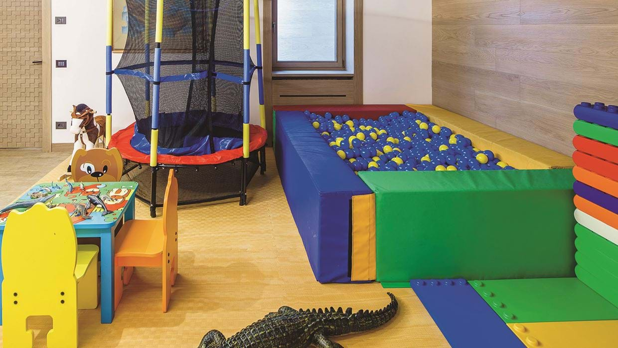 32-Children play area.jpg