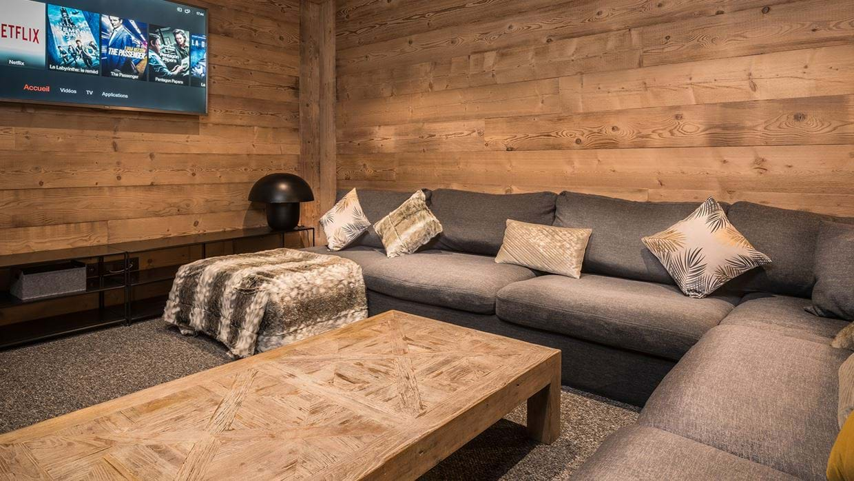 chalet_phoebe_meribel_oxford_ski_tv_area.jpg