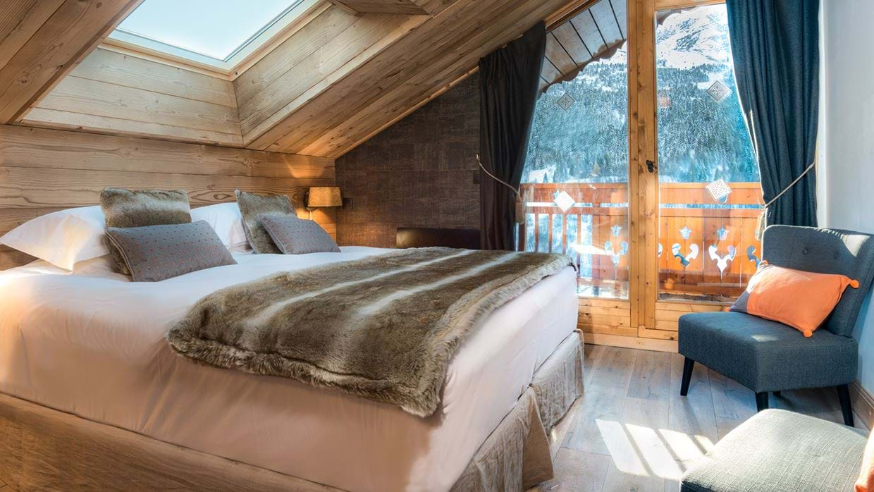 chalet_phoebe_meribel_oxford_ski_bedroom2.jpg