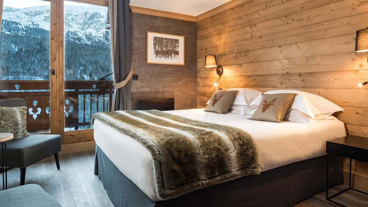 chalet_phoebe_meribel_oxford_ski_bedroom1.jpg