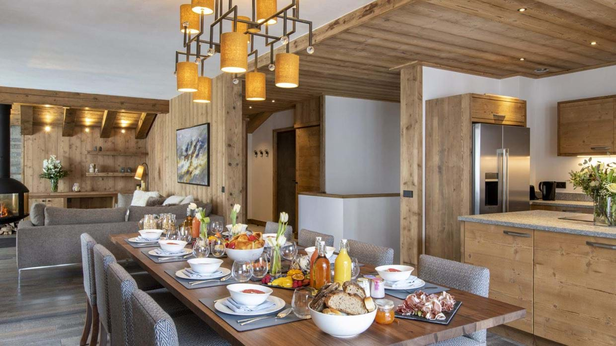 chalet_cala_201_val_disere_luxury_chalet_oxford_ski_dining_table.jpg