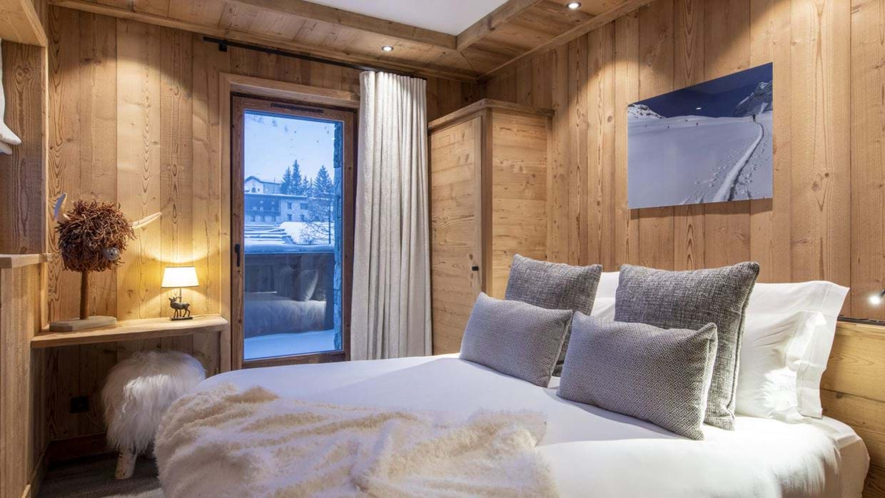 chalet_cala_201_val_disere_luxury_chalet_oxford_ski_bedroom.jpg