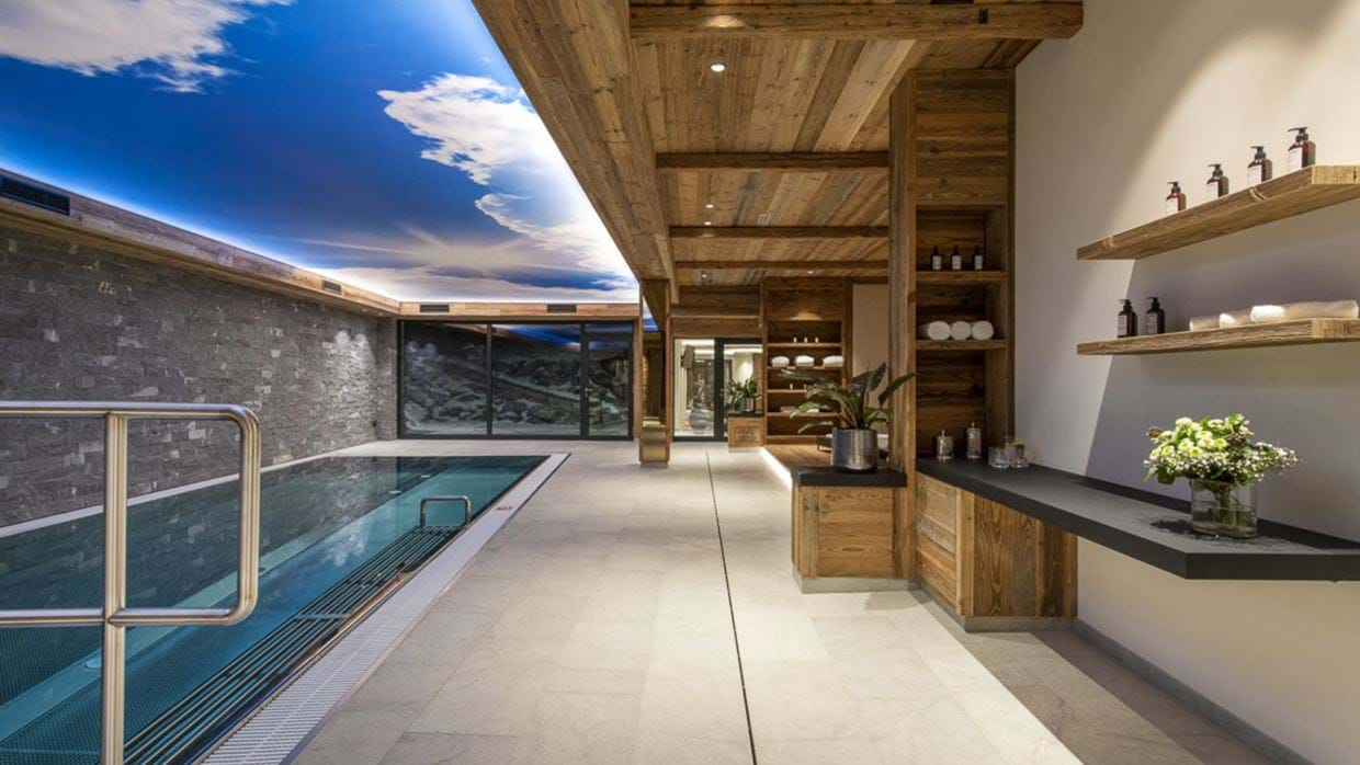 chalech_S_lech_luxury_ski_chalet_oxford_ski_ pool2.jpg