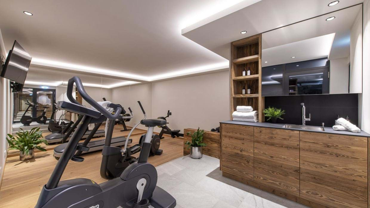 chalech_S_lech_luxury_ski_chalet_oxford_ski_ gym.jpg