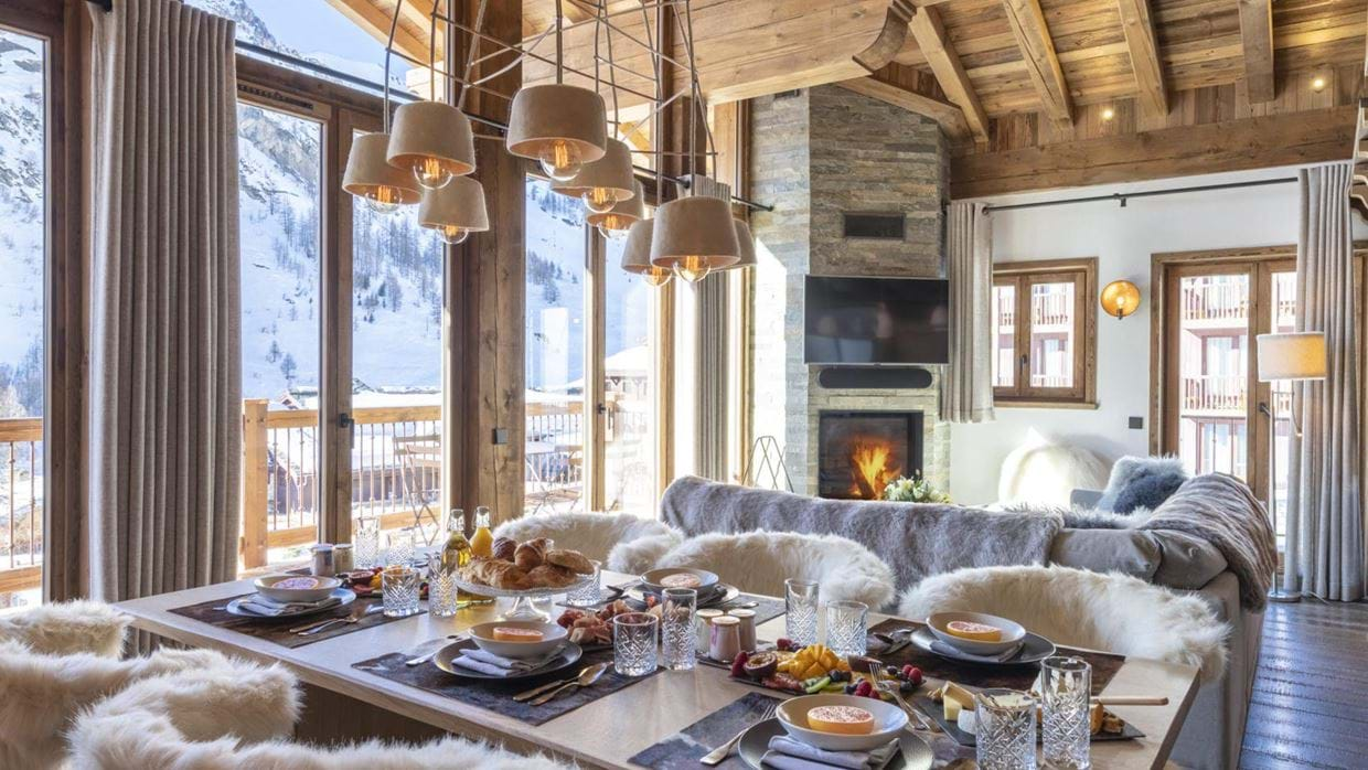 Grand_Pre_3_Val_disere_Oxford_Ski_Living_Room_1.jpg