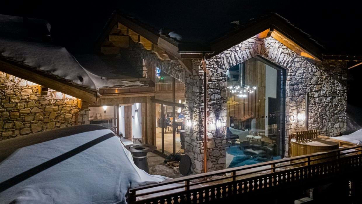 Chalet_Orso_Val_DIsere_Oxford_Ski_Luxury_Chalet_Outside_Night.jpg