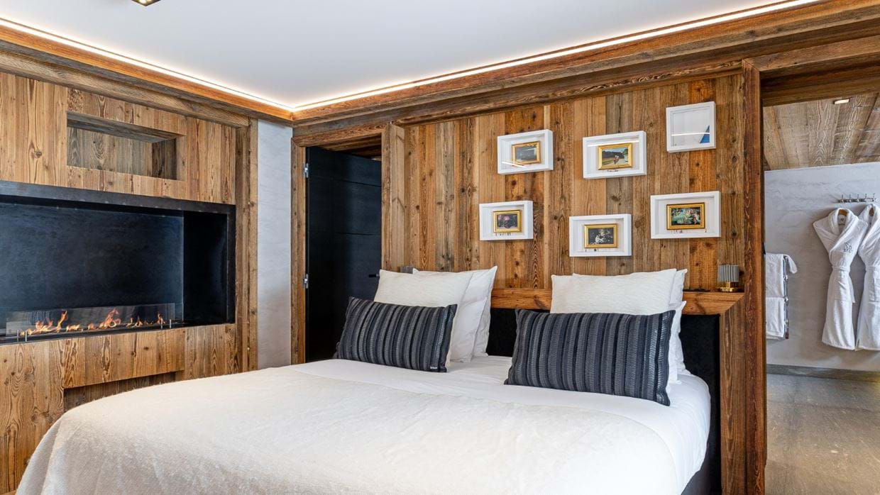 Chalet_Orso_Val_DIsere_Oxford_Ski_Luxury_Chalet_Bedroom.jpg