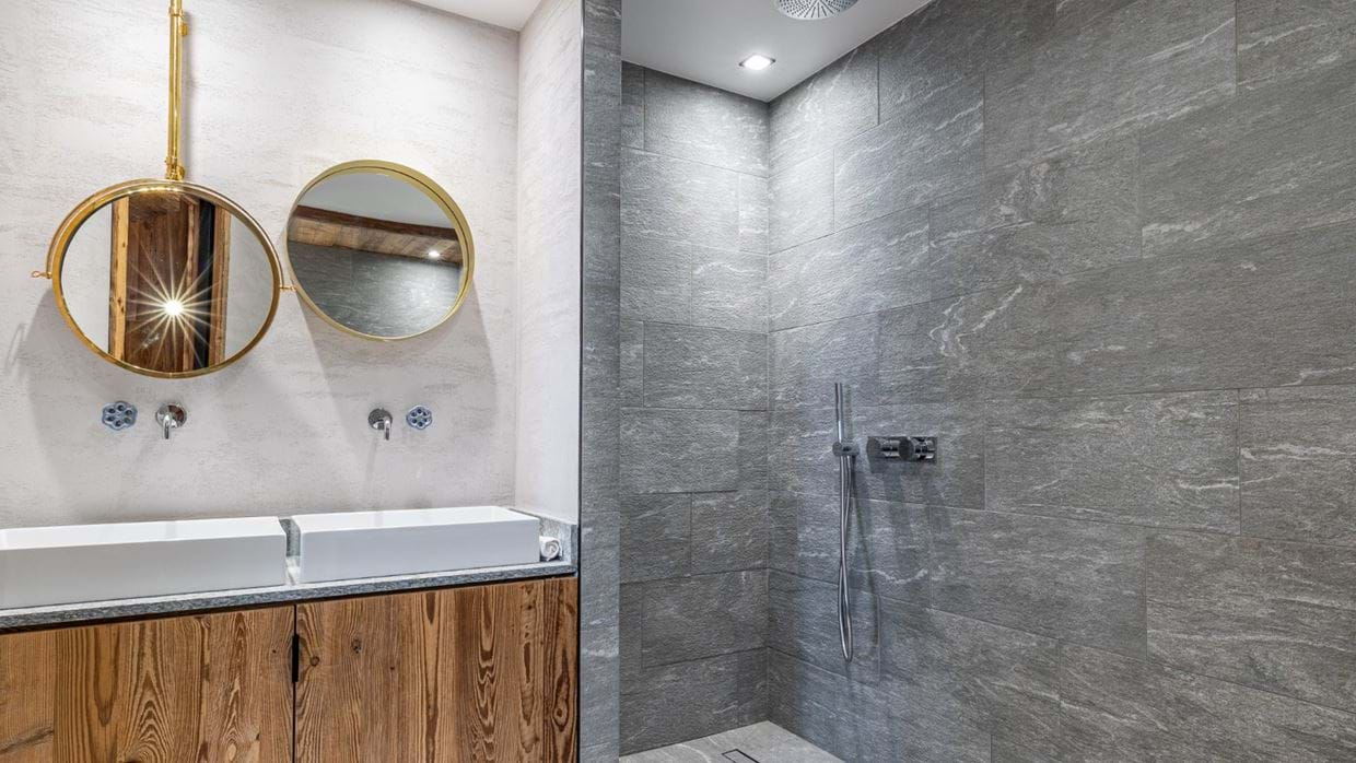 Chalet_Orso_Val_DIsere_Oxford_Ski_Luxury_Chalet_Shower_Room.jpg